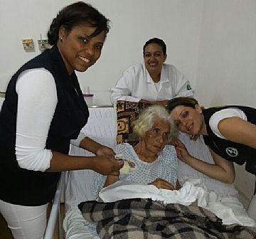 Celebrando com a Paciente Sra. Geralda Maria do Prado